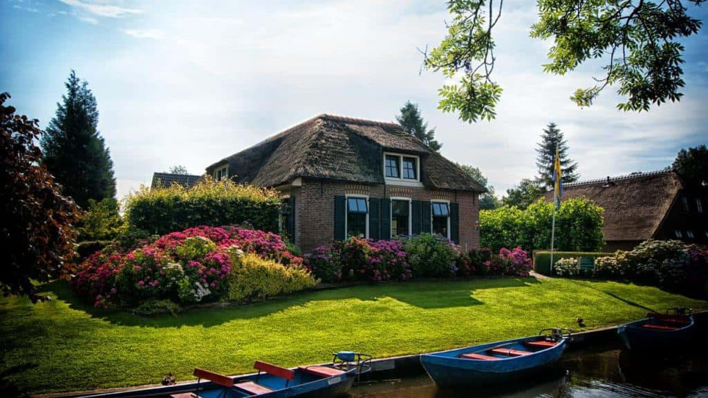 house on a canal - We Buy Any Home UK