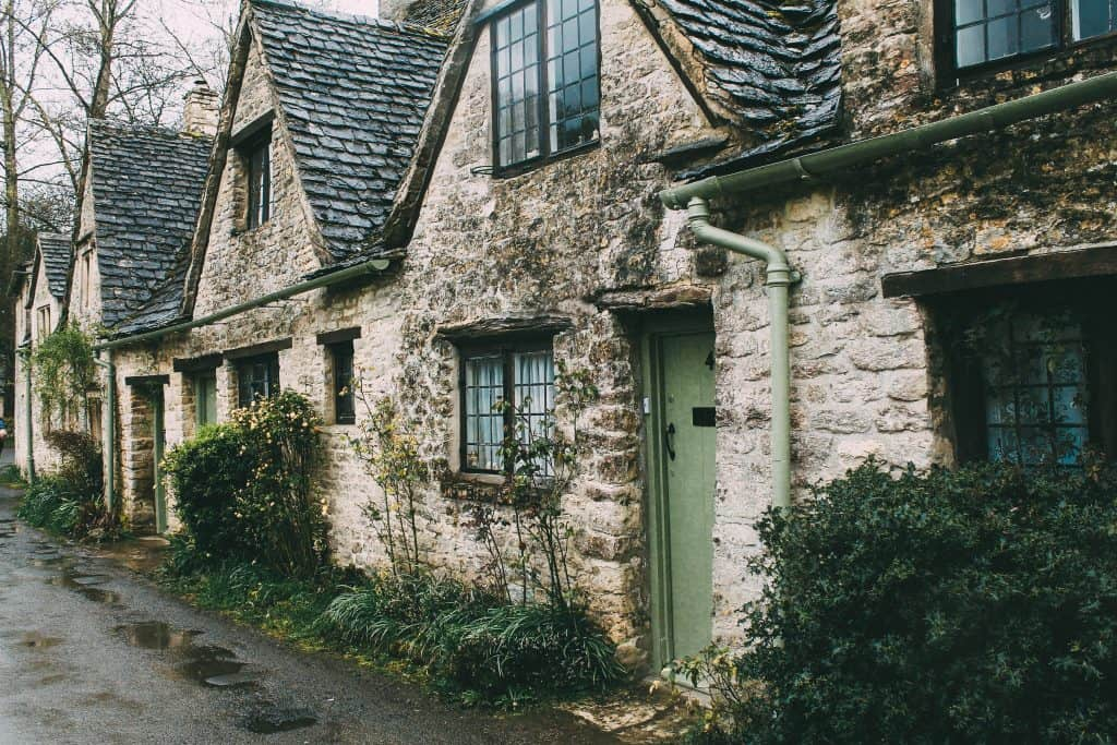 Stone Cottages - We Buy Any Home UK
